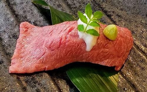 神戸牛 炙り寿司