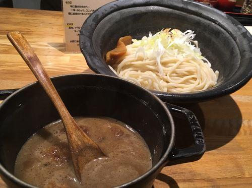 もつつけ麺