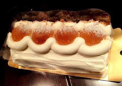 プリンロールケーキ